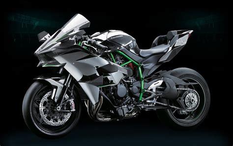 Kawasaki smashes the superbike class with 300 horsepower