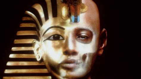 King Tut s wife Queen Nefertiti might be in newly