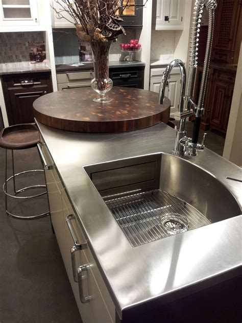 Kitchen Countertops in Stainless Steel and Butcher Block