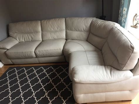 Leather Sofa World Save up to 75 in our UK Sofa