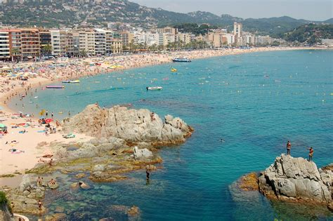 Lloret de Mar holiday guide video and reviews