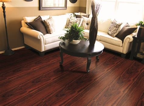 Luxury Vinyl Tile vs Hardwood Flooring