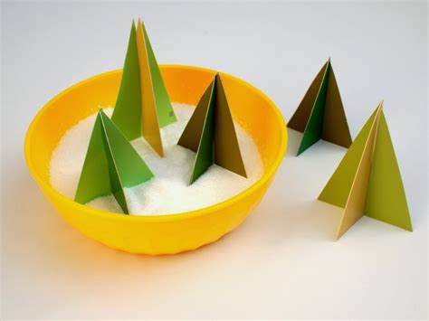 Make mini Christmas trees from Pipe Pink Stripey Socks