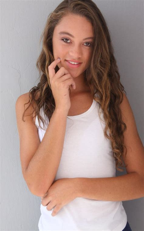 Maria Alejandra Model image 3