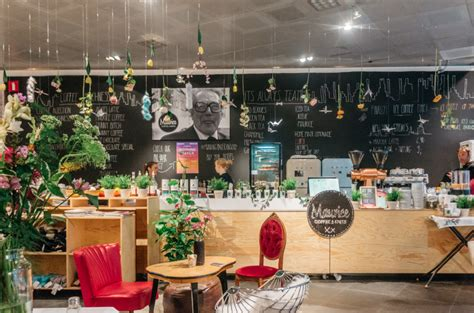 Maurice Coffee bar MAURICE KNITWEAR