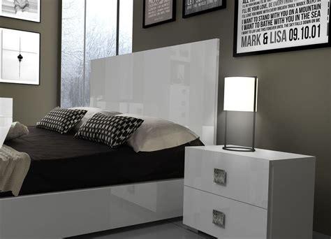 Mika Furniture Whosale Modern Bedroom Furniture in Miami