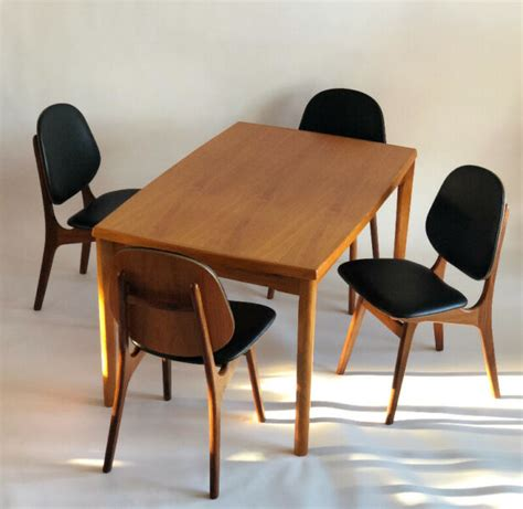Modern Buy or Sell Dining Table Sets in Calgary