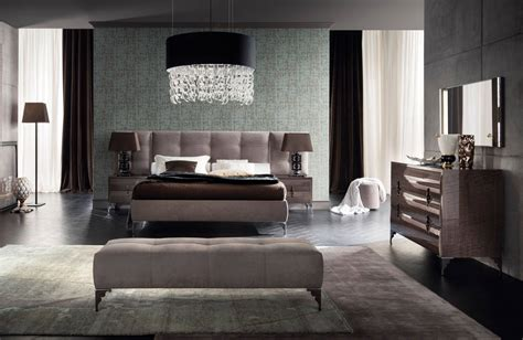 Modern and luxury master bedroom furniture Italian design