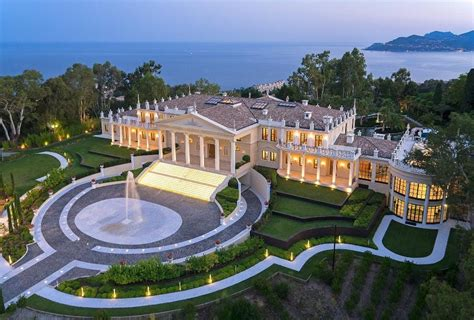 mega mansions that billionaires call home images. ideas for