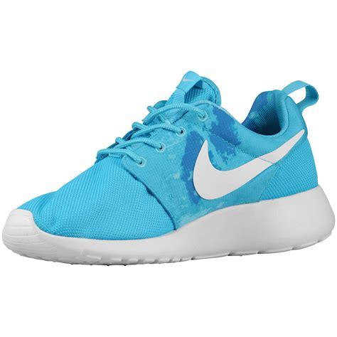 Nike Roshe Champs Sports