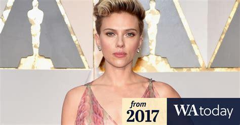 Oscars 2017 red carpet Johansson calls out Seacrest s