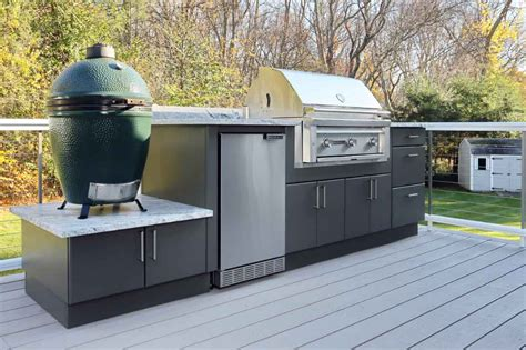 Outdoor Kitchen Cabinets Built to Last a Lifetime