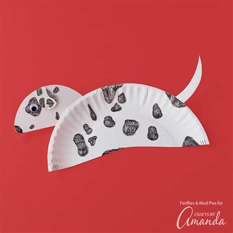 Paper Plate Dalmatian making a fun and easy paper plate craft