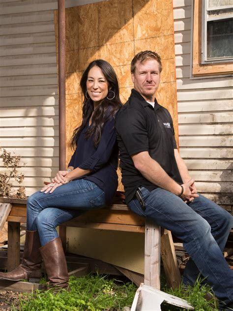 Photos HGTV s Fixer Upper With Chip and Joanna Gaines HGTV