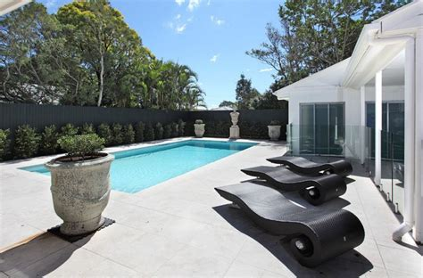 Pool Chairs in 26 Contemporary Settings Home Design Lover
