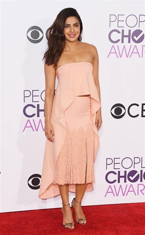 Priyanka Chopra at People s Choice Awards 2017 red carpet