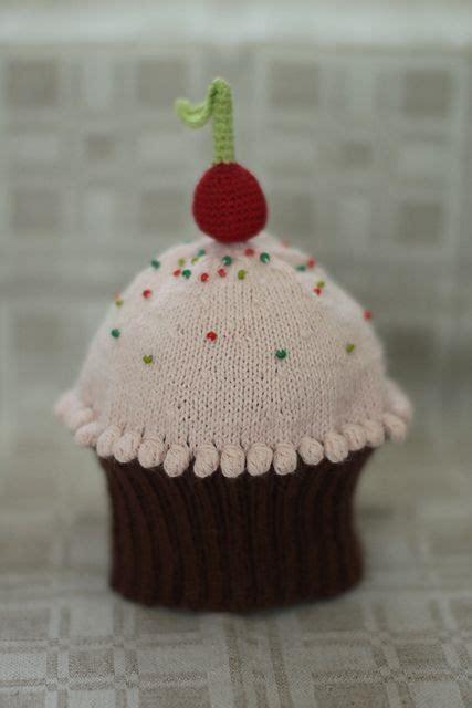 Ravelry Cupcake Hat archive pattern by Becky Veverka