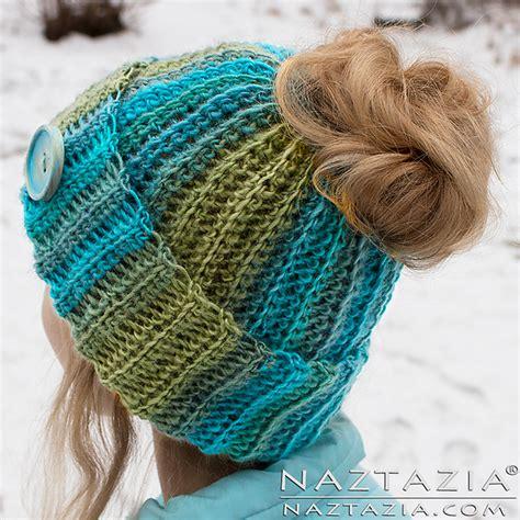 Ravelry Ribbed Bun Hat pattern by Naztazia