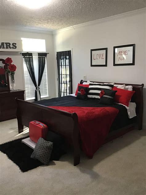 Red Black And White Bedroom impasajans