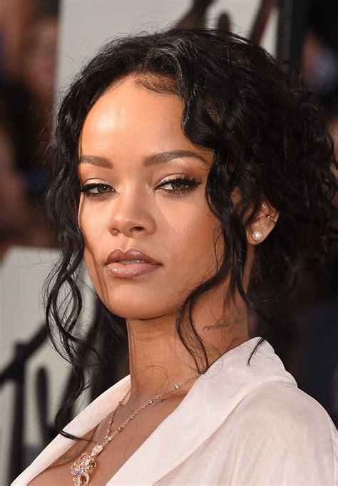 Rihanna Looks StyleBistro
