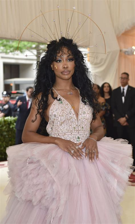 Rihanna wows on Met Gala red carpet YouTube