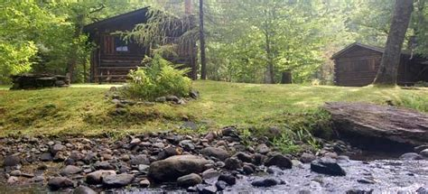 Rustic Log Cabins in New Hampshire s White Mountains