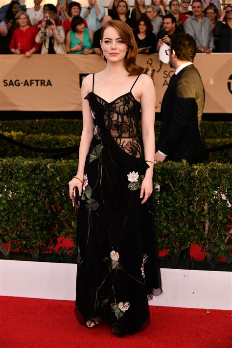 SAG Awards 2017 Fashion Live From the Red Carpet