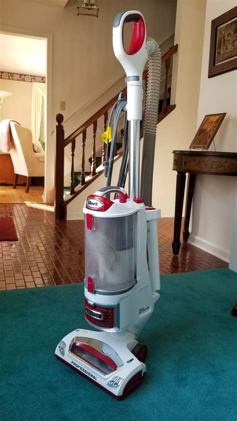 Shark Rotator Professional Lift Away NV501 vacuum cleaner