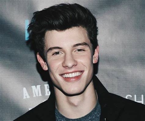 Shawn Mendes Bio Facts Family Life of Canadian Singer