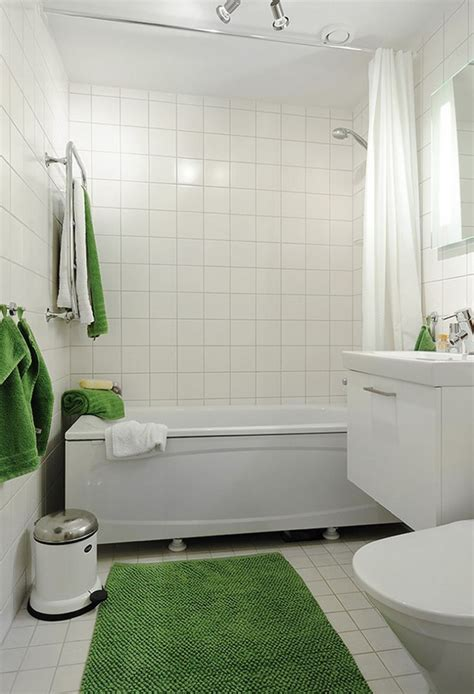 Small Bathroom Remodeling Tips on making the most of a