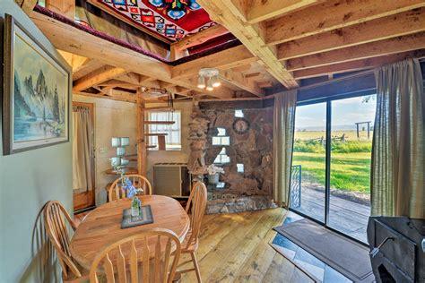 Snowflake Cabin Cody Lodging Company