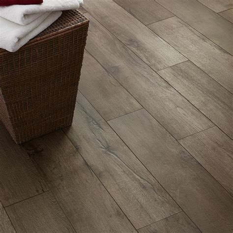 Style Selections luxury vinyl plank flooring lowes