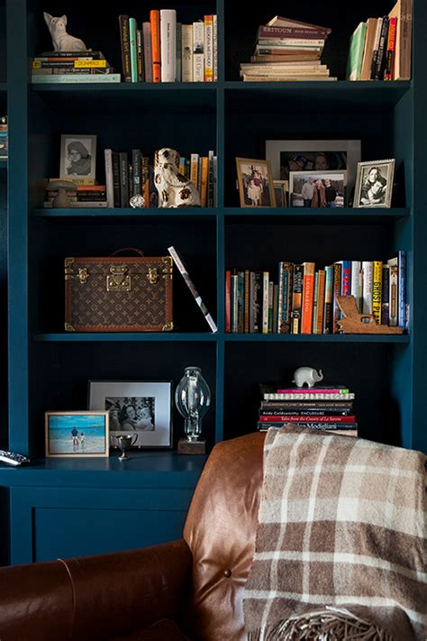 Styling a Bookshelf 10 Homes that Get it Right 5 Tips