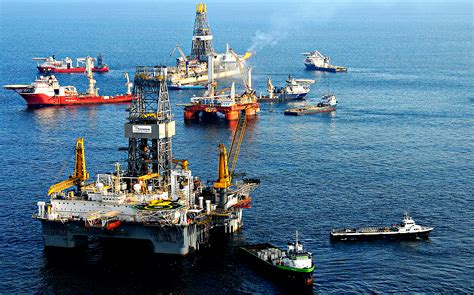 THE ORIGINAL GUIDE to Offshore Jobs at Oil fields on Oil