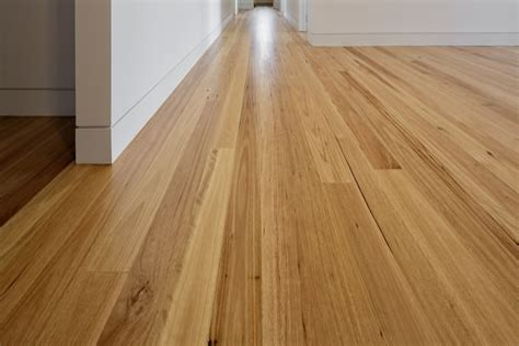 The Differences Between Laminate Engineered Hardwood Floors