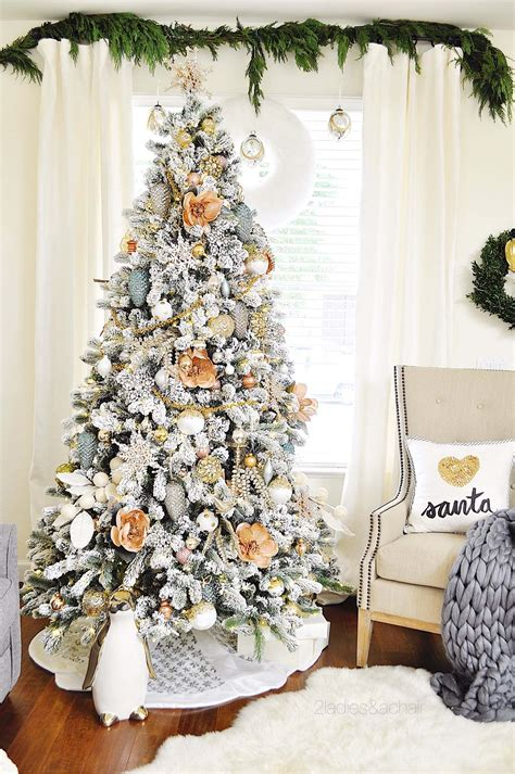 Tips Decorating A White Christmas Tree