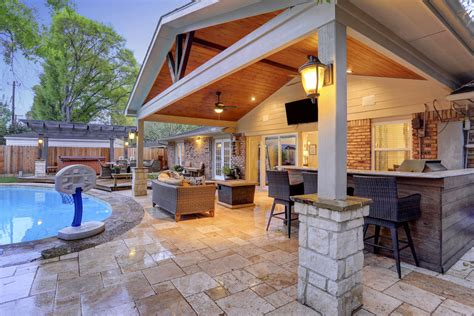 Top Design Ideas for Outdoor Living Area in 2017