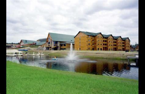 Warrens WI Hotel Three Bears Resort