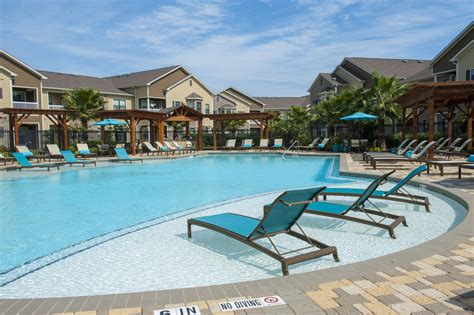 Waterstone Apartments in Spring Texas