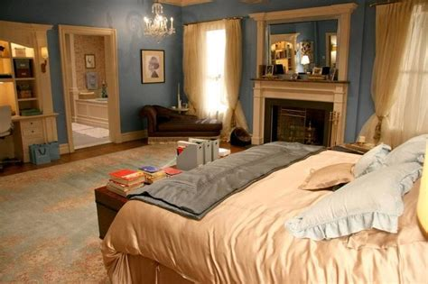 What color is Blair Waldorfs bedroom Answers