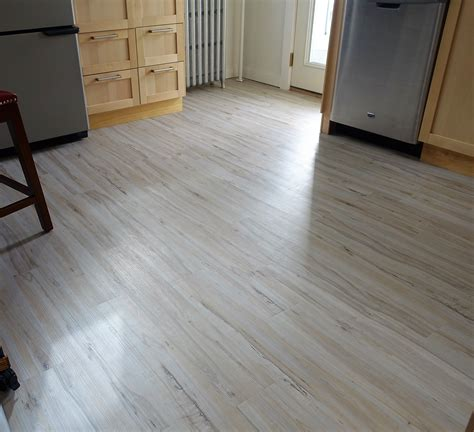 What do reviews say about TrafficMaster Allure flooring