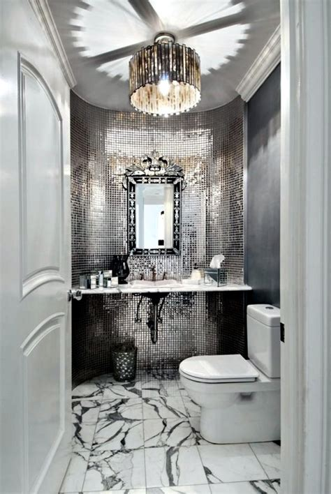 What size floor tile to make bathroom look larger