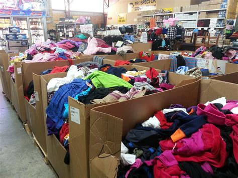 Wholesale Closeout and Liquidation Merchandise by Containers