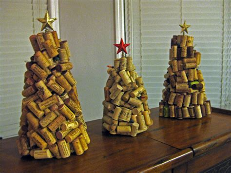 eco crafting wine cork christmas trees The Wooden Bee