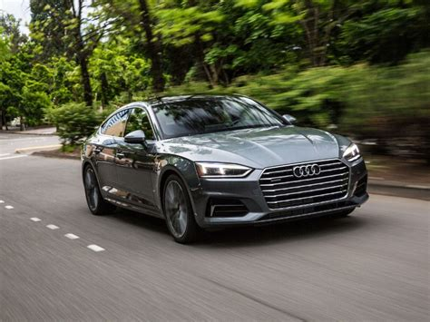 10 Best Luxury Cars for Daily Driving