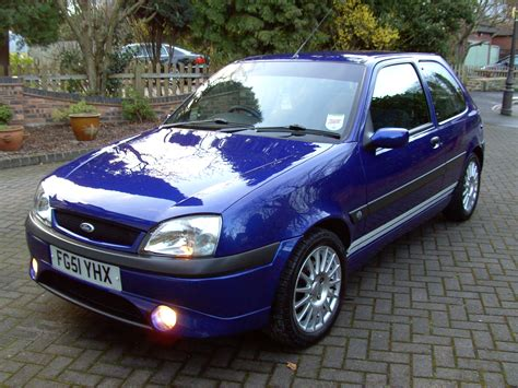 2001 Ford Fiesta Owners Manual