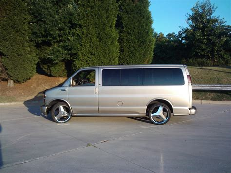 2001 Chevrolet Express 1500 Owners Manual