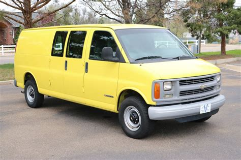 2002 Chevrolet Express 3500 Owners Manual