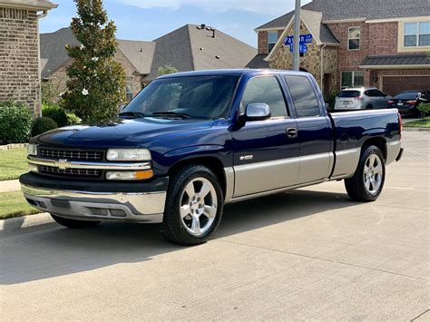 2002 Chevrolet Pickup Owners Manual
