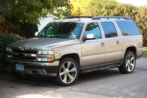 2003 Chevrolet Suburban Owners Manual